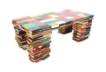 Tavolo di libri
