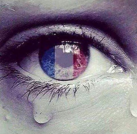 Francia piange