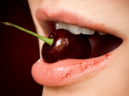 nature___other____cherry_mouth_063200_29