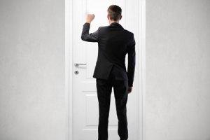 door-shutterstock-ollyy
